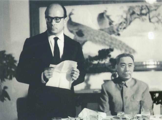 """E.B. con il Primo Ministro Chou En-lai alla presentazione del """"Great Marble Plan"""""""