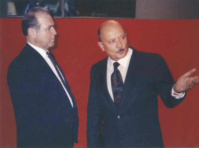 E.B. all'inaugurazione di una delle Mostre dell'Agimpex a Mosca, con Kondratiev S. Terekh, Ministro del Commercio Estero dell'U.R.S.S.