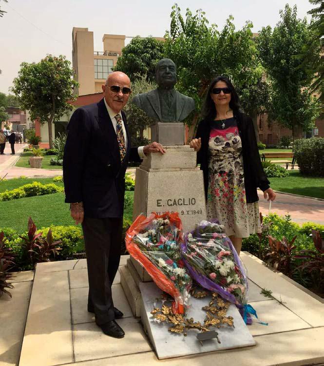Tomba del Fondatore, Prof. Empedocle Gaglio, nel giardino del Suo Ospedale, coi pronipoti Benedetti